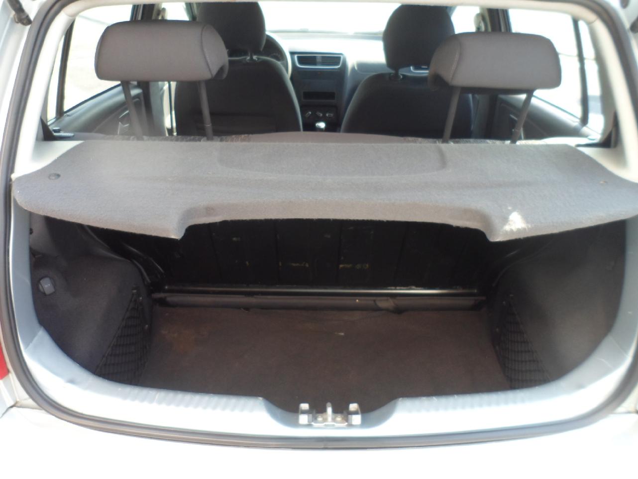 Volkswagen FOX 1.6 MI 8V FLEX 4P MANUAL