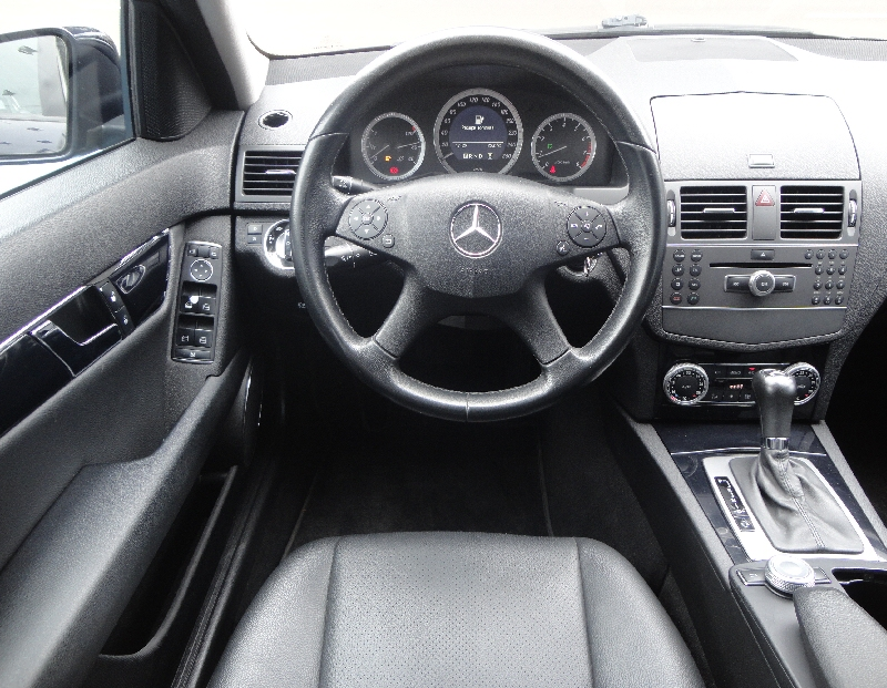 Mercedes-benz C 180 1.8 Cgi Classic 16v Gasolina 4p Automatico